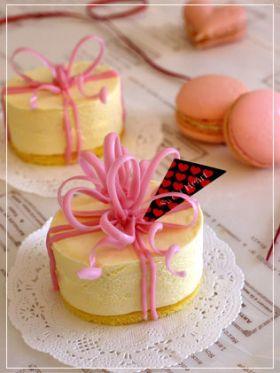 【バレンタイン】ピンクのリボンケーキ