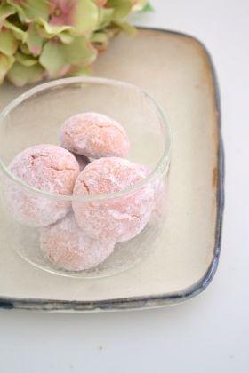 桜の米粉ボール