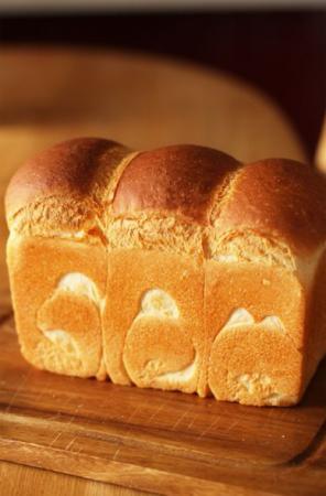 ホシノ丹沢天然酵母で作る山食パン