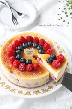 濃厚なめらかホワイトチョコニューヨークチーズケーキ