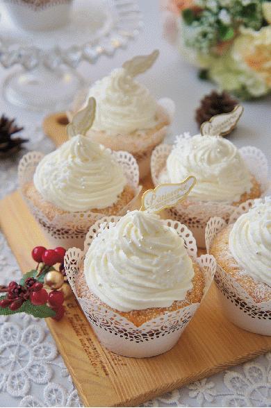 クリスマスに☆ホワイトカップケーキ