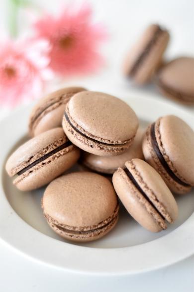 チョコレートのマカロン