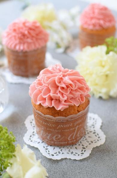 カーネーション☆ストロベリーカップケーキ