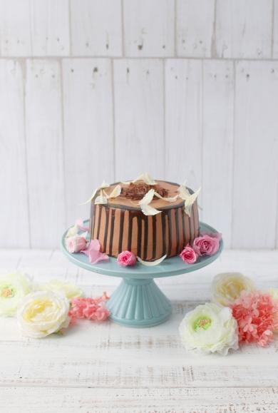 チョコレートドリップシフォンケーキ