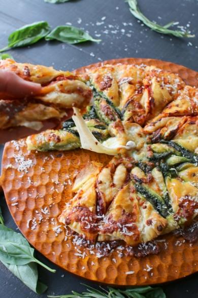 チーズとろーりな2色のピザタルトソレイユ