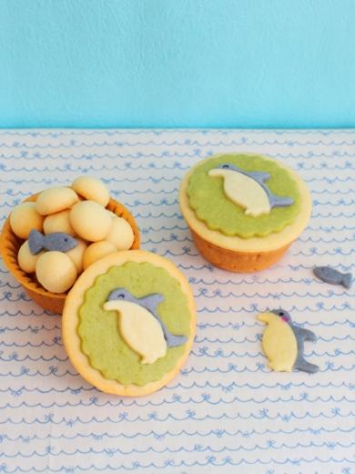 マフィン型でタルト作り*ペンギンさんのカラフルクッキーBOX