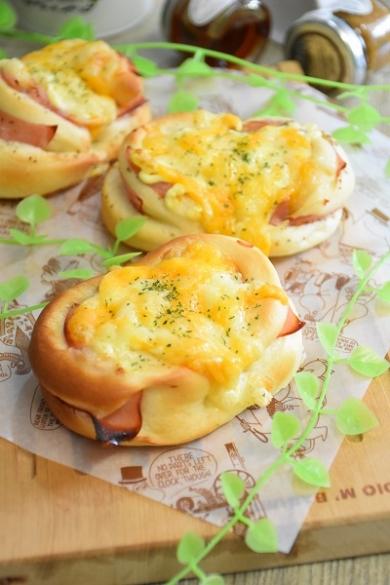 みんな大好き!ハム&チーズオニオンパン