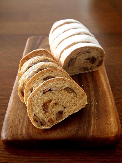 栗と木の実ときな粉・・秋のパン♪