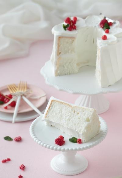 クレーム・ソワニエのエンゼルフードケーキ♪