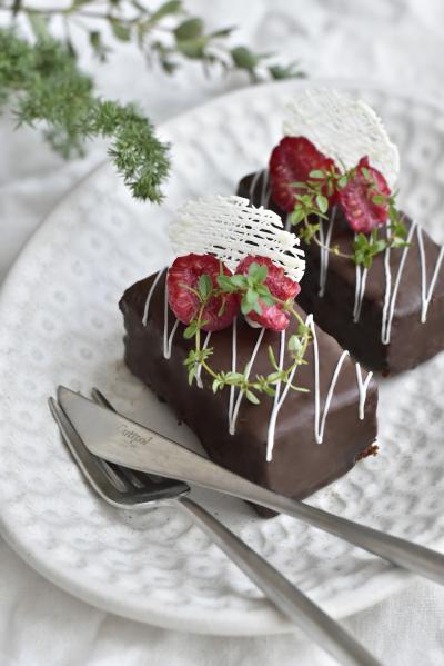 ガナッシュサンドのチョコケーキ