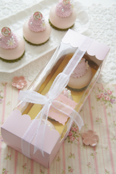 春色♪桜とマスカルポーネのプティガトーのラッピング