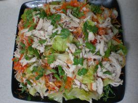 タイ風チキンサラダ