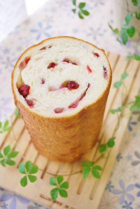 ベリーとクリームチーズのラウンドパン