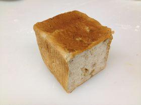 (クルミ)クルミ食パン