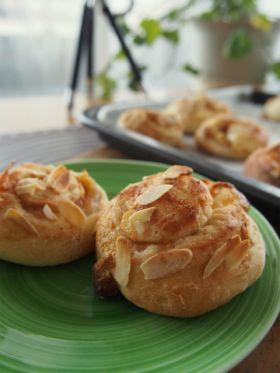 シナモンりんごの巻き巻きパン