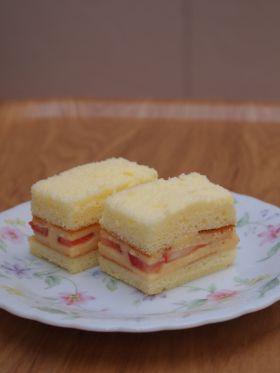 パクッといちごケーキ