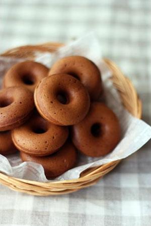 チョコ焼きドーナツ・ダブルチョコドーナツ
