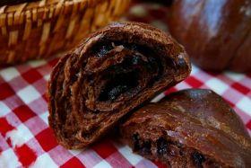 濃厚ショコラバターロールパン