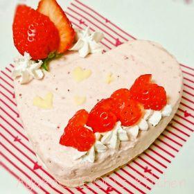【バレンタイン】苺とホワイトチョコのラブリーレアチーズケーキ