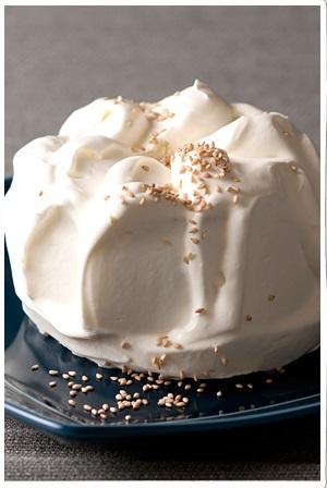 白ゴマのシフォンケーキ