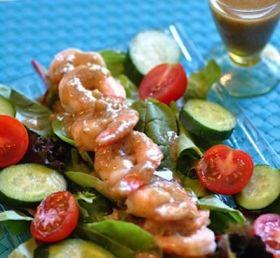 プリプリ海老のクルミ味噌ドレッシングサラダ