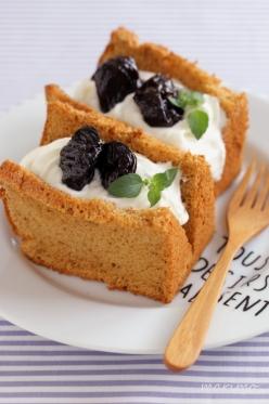プルーンシフォンケーキ