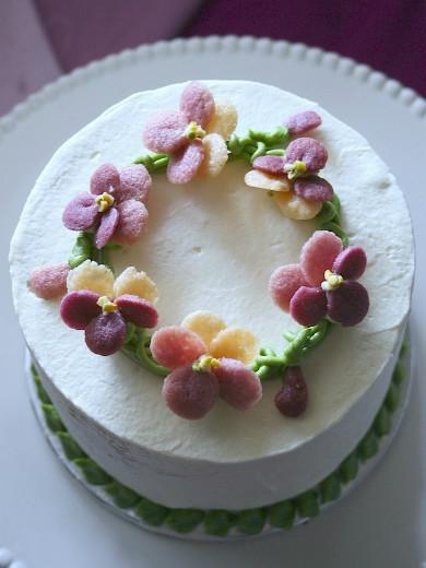 ビオラのケーキ