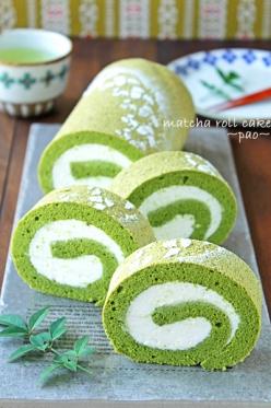 抹茶のティラミスロールケーキ