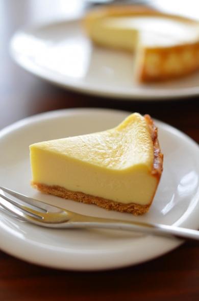 口溶けなめらかベイクドチーズケーキ