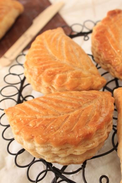 リンゴとチーズの小さなパイ
