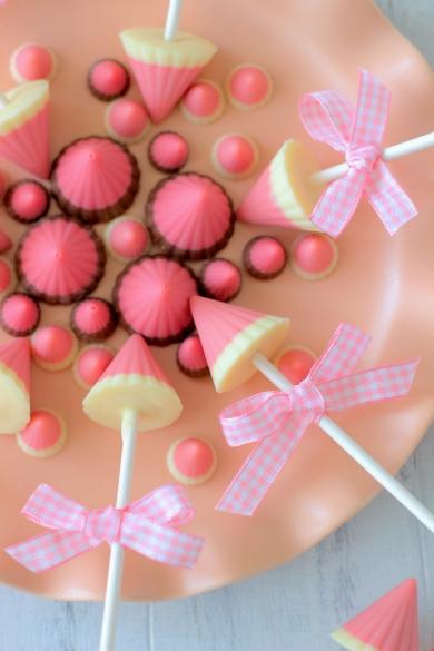 ロリポップいちごみるく三角チョコあいりおー お菓子パンのレシピ