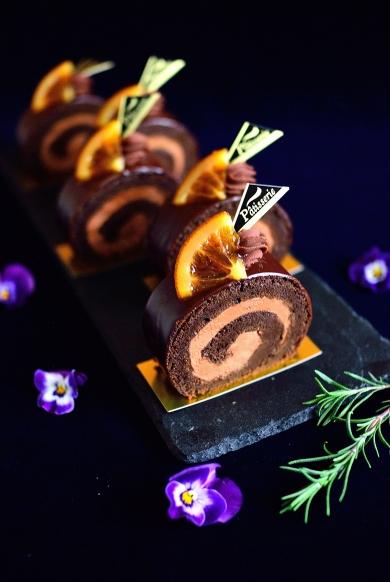ほんのり柑橘チョコロールケーキ☆うめはらサークルオレンジで