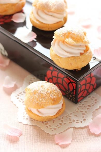 桜のシュークリーム