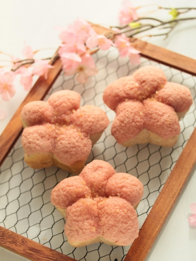 * 春爛漫 ♡ ふんわり桜メロンパン♪