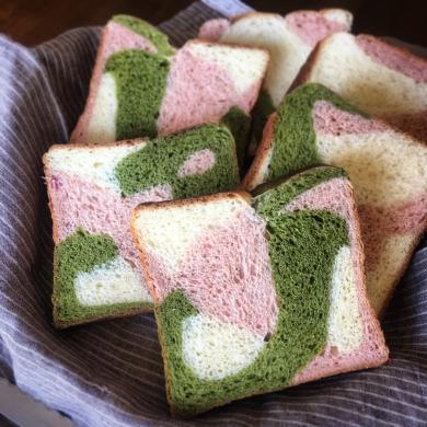 桜と抹茶と苺♡春の味を満喫3色角食パン♡