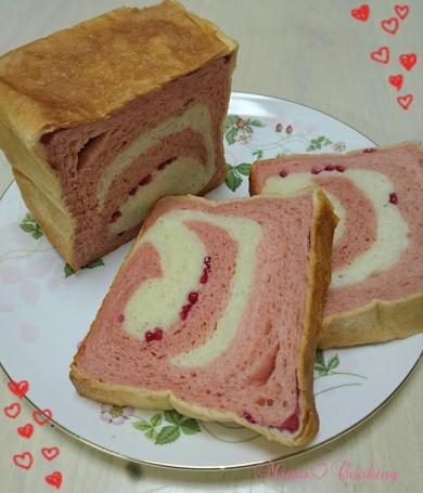 イチゴマーブル食パン(1斤)