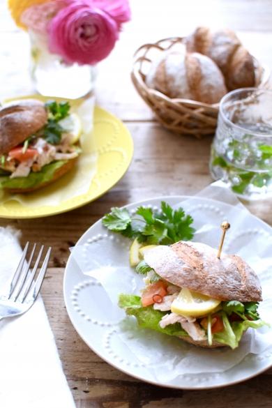 ソフトフランスでエスニックサンドイッチ