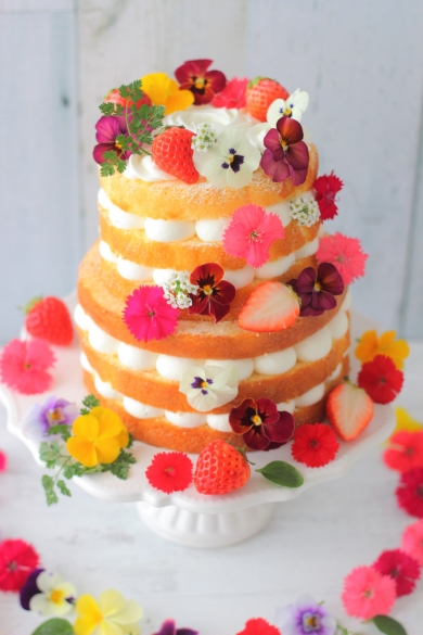 フラワーネイキッドケーキ