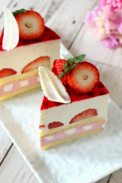 苺のレアチーズショートケーキ
