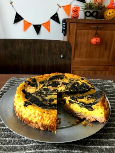ハロウィンに!かぼちゃのマーブルチーズケーキ