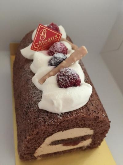 ボックスを使った手土産ロールケーキ