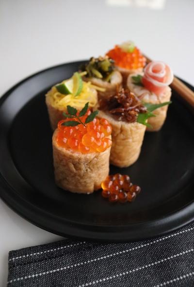 簡単!優しい味*トッピングひとくちいなり寿司
