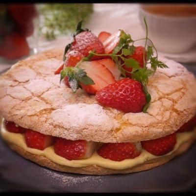 苺のパンビー (フランス生まれのサクふわパンビー)