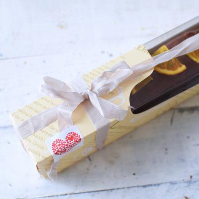 スリムチョコレートケーキのラッピング