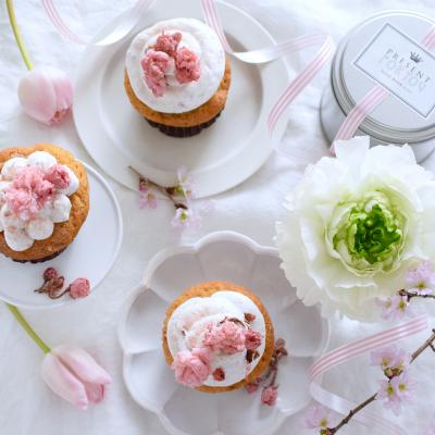 桜カップケーキのラッピング