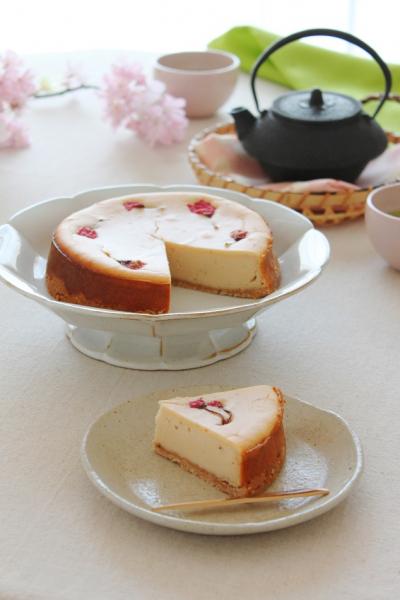 桜あんと米粉のチーズケーキ