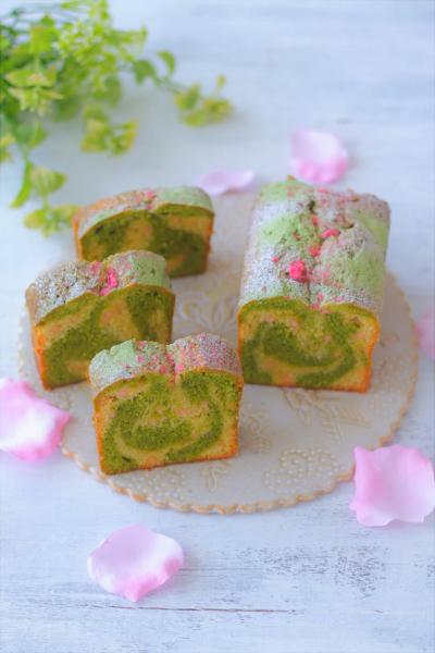 桜チョコチップ入り抹茶マーブルケーキ