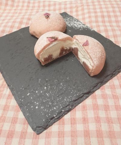 桜ホイップあんパン