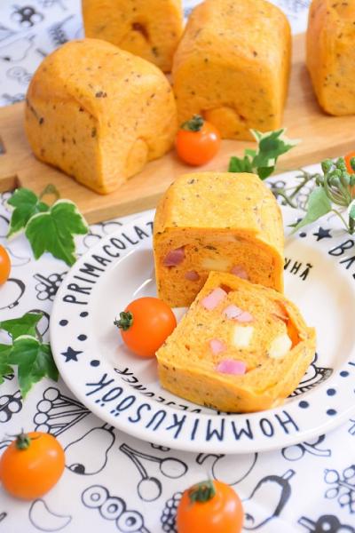 トマトバジルのキューブパン(6cmキューブ型)