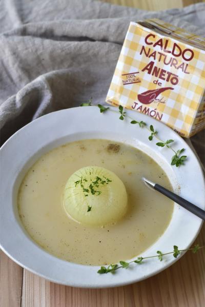 丸ごとたまねぎのスープ